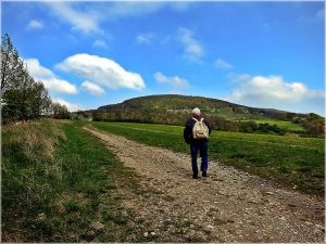 Wandern durch die sanfte Hügellandschaft Mitteldeutschlands