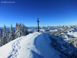 Sonnige Winterwanderung zum Gipfel Spieser im Allgäu