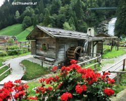 Zeitreise in das Mühlendorf in Gschnitz