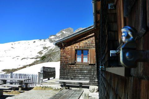 Hermann-von-Barth-Hütte 2.131m